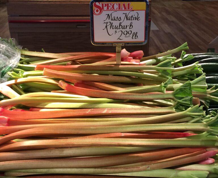 rhubarb farm market